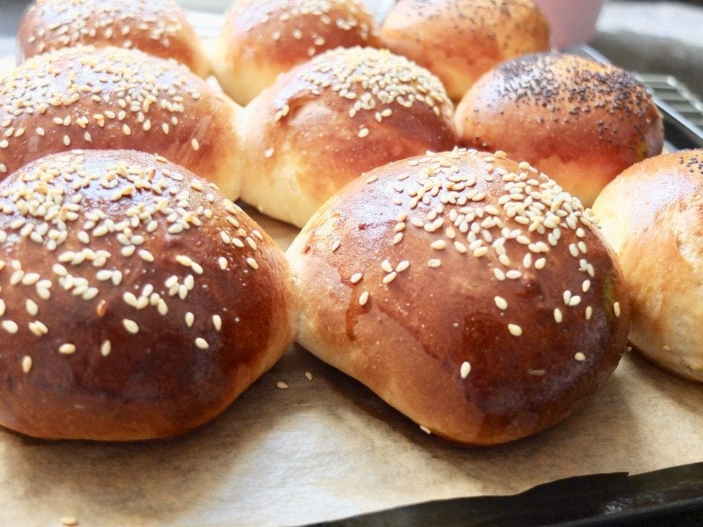 Easy Yoghurt Bread Rolls