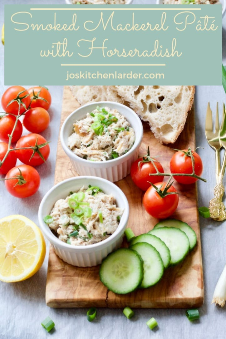 Smoked Mackerel Pâté with Horseradish is quick, easy, versatile & full of healthy Omega-3 fatty acids. Perfect as an elegant starter, snack or light lunch! #smokedmackerel #fish #pate #omega3 #fishstarter #horseradish #Valentinesday