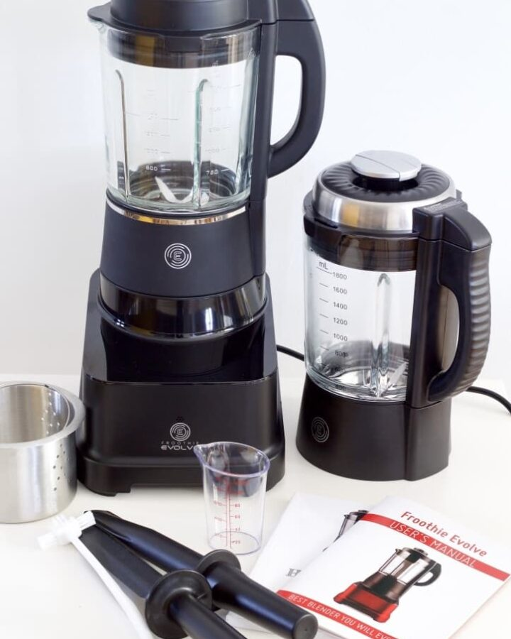 Froothie Evolve blender and accessories.