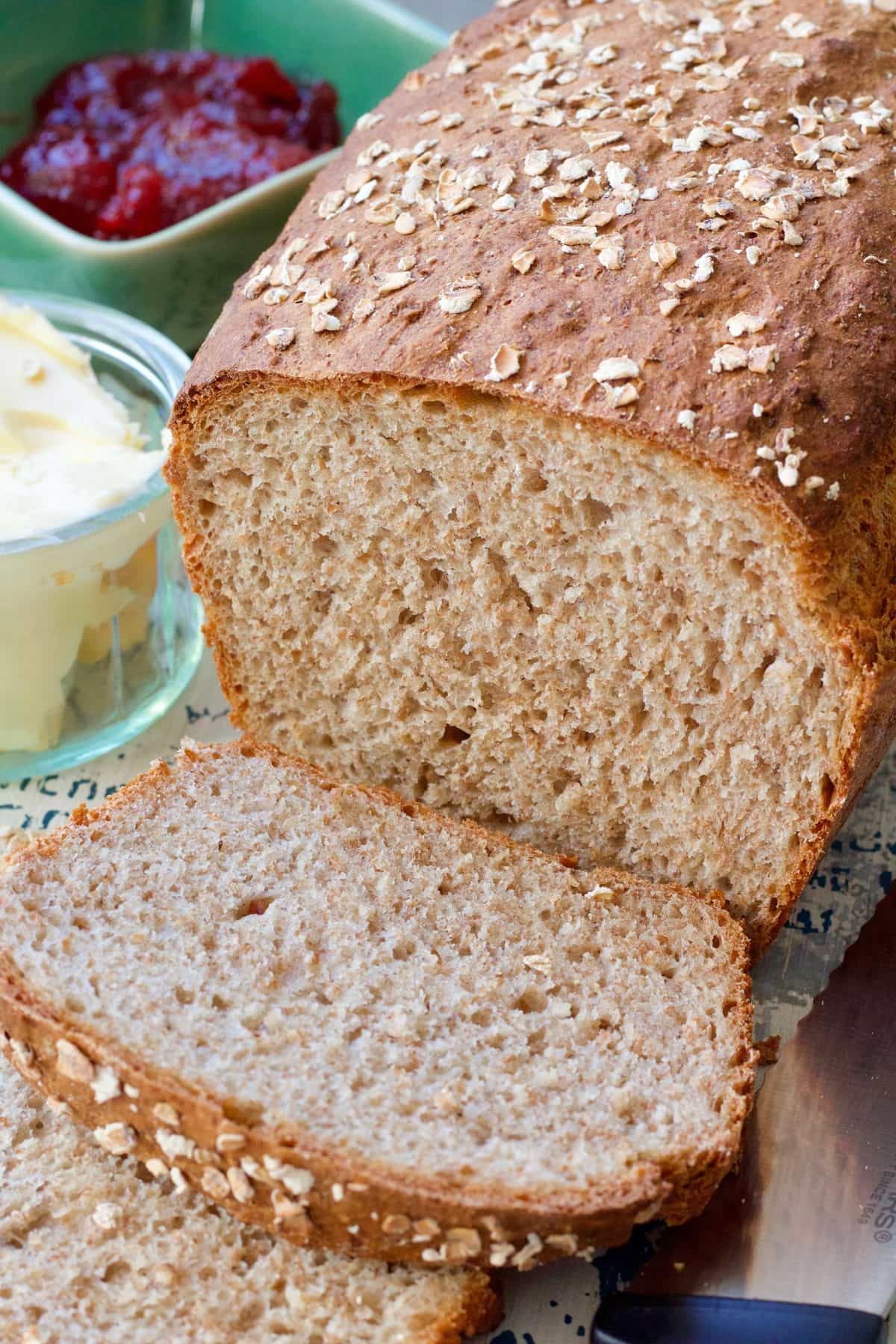 Close up of wholemeal bread loaf & slices.