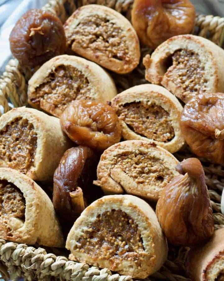Fig rolls with dried figs in a basket.