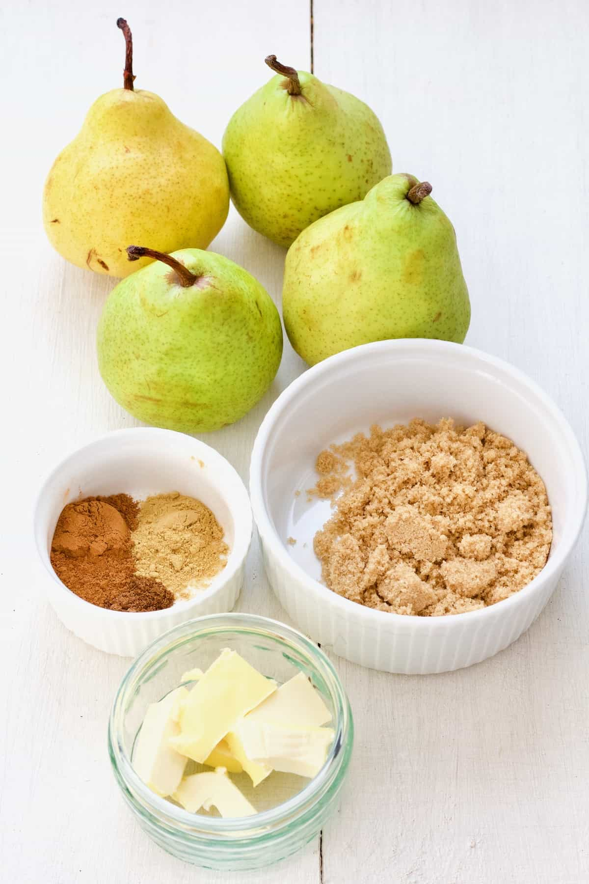 4 pears, spiced, brown sugar & vegan butter.